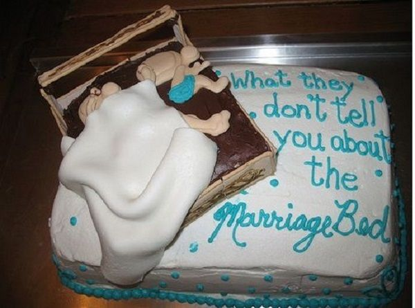 These 15 Birthday Cakes Are Beyond Funny... They Are In A Class Of Their Own!   We Like Viral