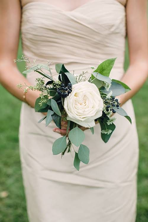 Wedding Trend We Love: Single-Bloom Bridesmaid Bouquets
