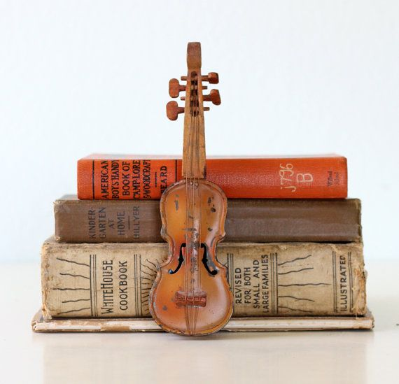 Vintage Tin Toy Violin by bellalulu on Etsy, $42.00