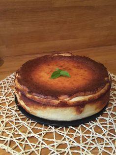"""Adoráis las tartas de queso? la tarta de queso """"la viña"""" es una delicia, fácil de hacer,solo 5 ingredientes, tenéis que probar a hacerla, os encantará."""