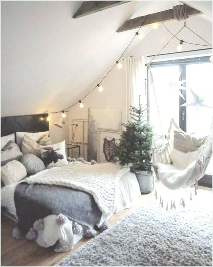 49 Cool Attic Bedroom Ideas And Design Home Decor Design Girls Bedroom Themes Tween Girl Bedroom Girl Bedroom Decor