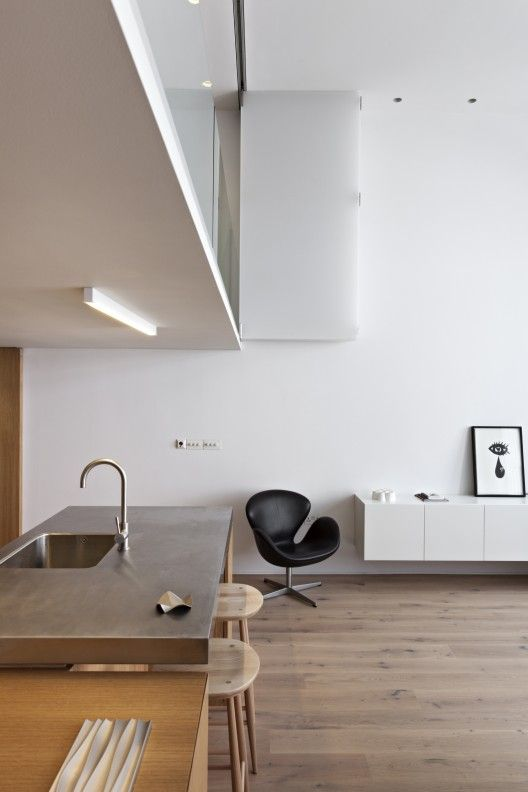 http://www.archdaily.com/425001/central-london-flat-vw-bs/