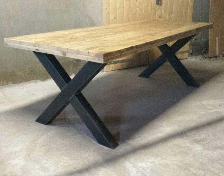 Industriële tafel 'kruispoot' gemaakt van hout en staal (model 5)