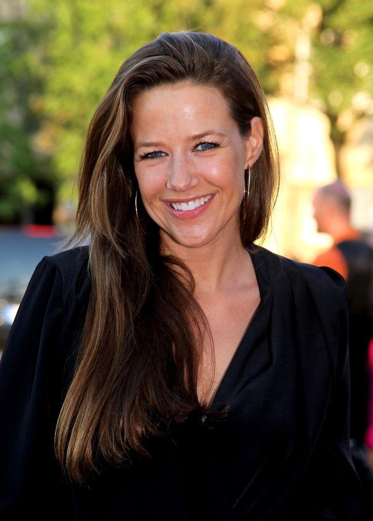 Alexandra Monika Neldel (* 11. Februar 1976 in West-Berlin