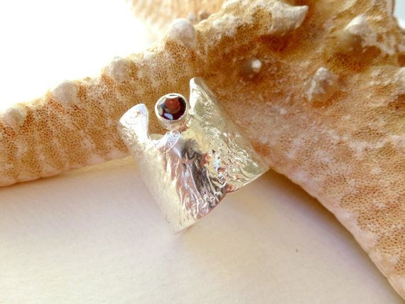 Wide band silver adjustable ring Moonstone by GeorgiaCollection, €73.00