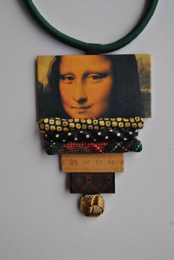 Green satin statement necklace with Mona Lisa pendant