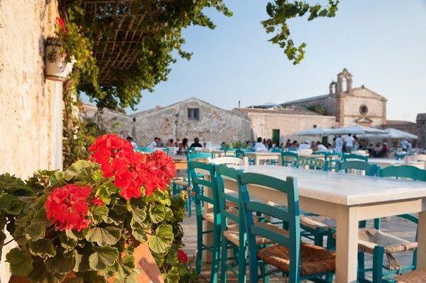 De geboren en getogen Siciliaanse Francesca Sanniti van Chic & Unique Tours toont ons het beste van de oostkust van Sicilië, van Modica en…