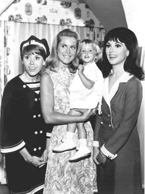 1966 ABC lineup of actresses (Judy Carne, Elizabeth Montgomery holding Tabatha, and  Marlo Thomas) !