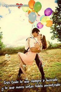 novios+besandose+con+lindos+globos+de+colores+y+bonito+sentimiento