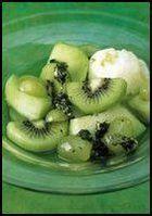 Gemarineerd groen fruit met muntpesto en limoensorbet