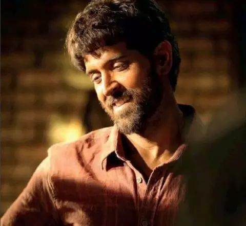 Hrithik Roshan's FIRST LOOK from SUPER 30 revealed