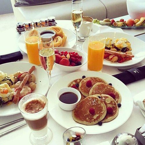 Good morning! #BusinessLadies #meeting #breakfast #Blushrr #networking