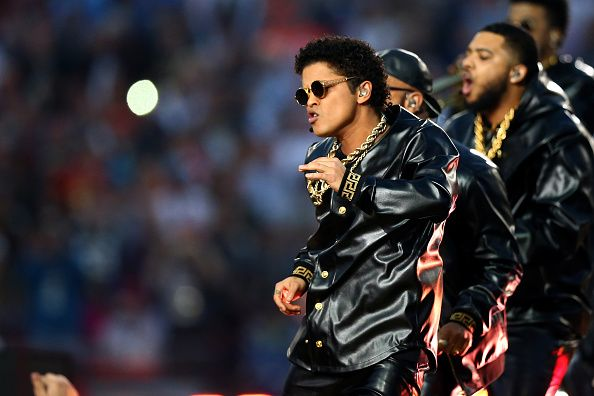 "bmars-news: ""HQ - Bruno & The Hooligans performing with Beyonce & Coldplay during the Superbowl 50 Halftime Show (07.02.2016) (Recap 4) """