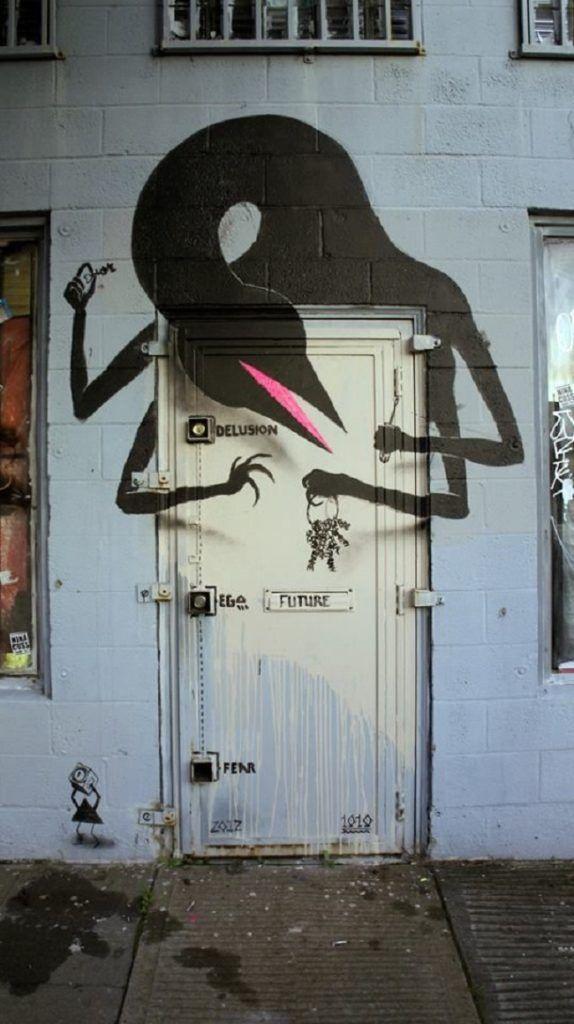 Arte urbano en puertas 4