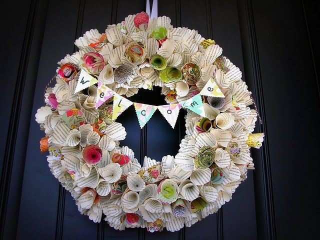 paper cones- i want to do this: Wreaths Tutorials, Old Book, Paper Cones, Paper Wreaths, Awesome Paper, Cones Wreaths, Paper Flower, Book Pages, Scrapbook Paper