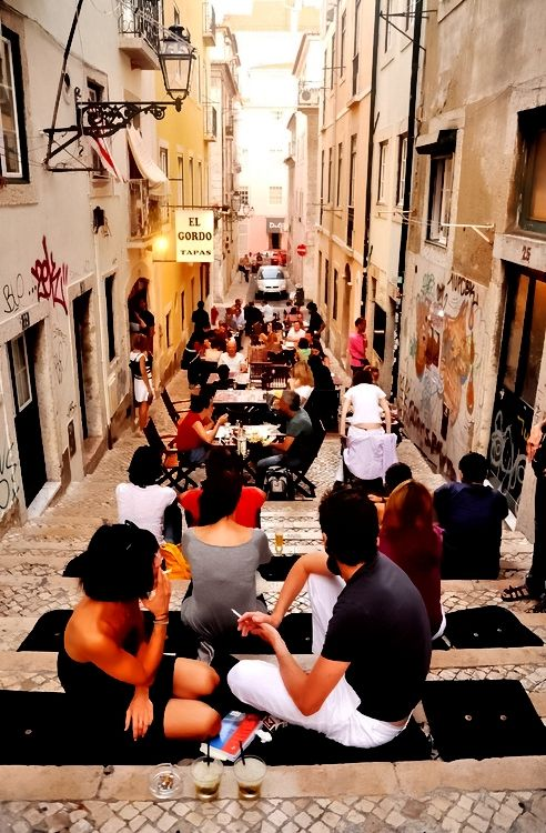 Bairro Alto, Lisboa | A1 Pictures #portugal #activbookings http://www.activbookings.com/en/