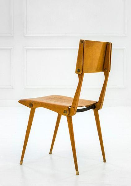Auctioned by Della Rocca. Sedia 683, design by Carlo De Carli for Cassina