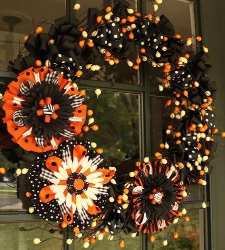 Halloween Wreath: Giant Flowers, Awesome Halloween, Decor Ideas, Bows Wreaths, Bows Tutorials, Halloween Crafts, Diy Gifts, Flowers Bows, Halloween Wreaths