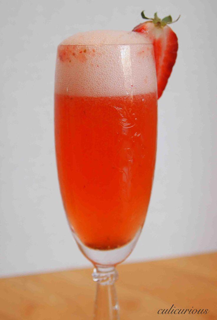 Strawberry Bellini Cocktail Recipe