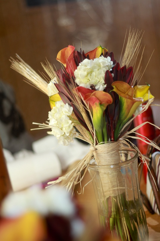 23 best images about fall wedding bouquets on pinterest for Simple fall bridesmaid bouquets