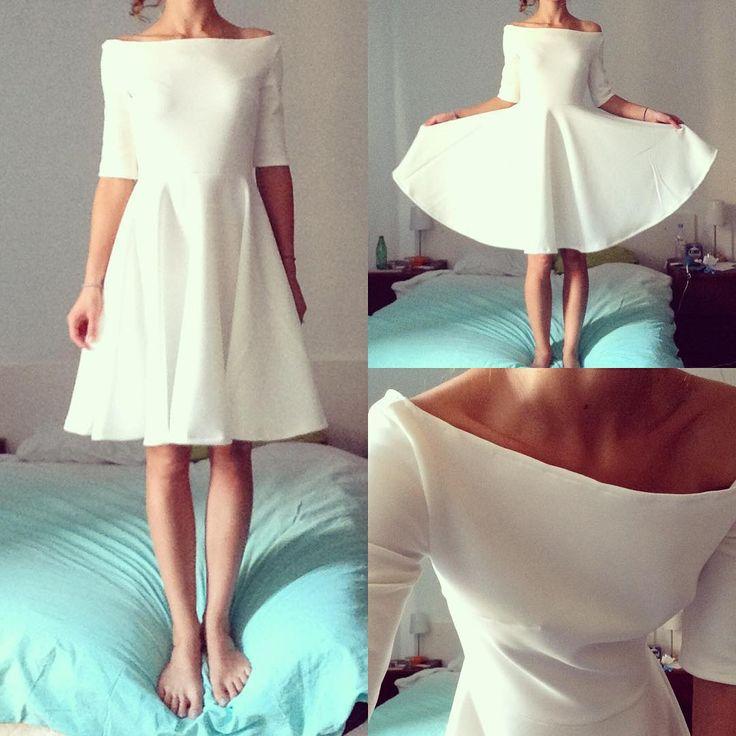 Encore une nouvelle robe fait-main! dans un tissu de type néoprène, pas besoin de mettre un zip ni de faire une doublure!