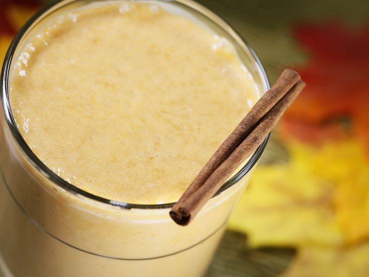 Smoothie à la tarte à la citrouille  1tasse (250ml) de boisson Silk Amandes Vanille non sucrée2c. àtable(30ml) de protéines en poudre1/4tasse (60ml) de citrouille en conserve1c. àtable(15ml) de beurre d'amande1/2c. à thé (2ml) de cannelle1/4c. à thé (1ml) de noix de muscade1/4c. à thé (1ml) de clou de girofle moulu