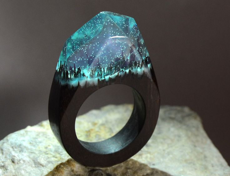 """Regalo per il suo anello di personalizzato resina """"foresta"""" anello legno resina gioielli in legno regalo per lui anello legno legno resina di MagicWorldGifts su Etsy https://www.etsy.com/it/listing/478167650/regalo-per-il-suo-anello-di"""