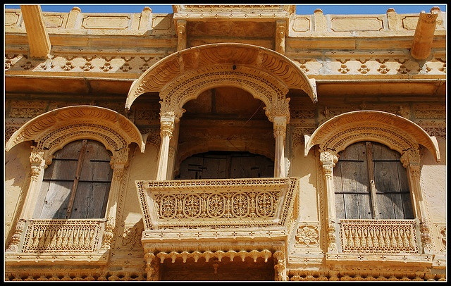 Jharokha a jharokha is a type of overhanging balcony used for Uses of balcony