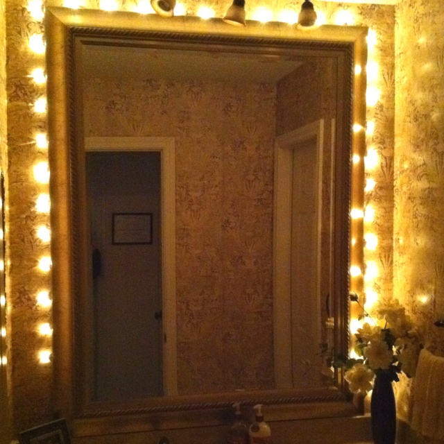 Border a mirror with a Christmas light strand!: Lights Strands, Christmas Lights