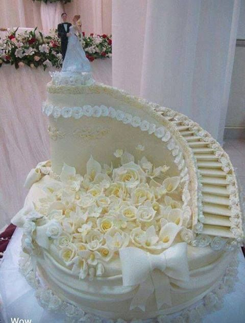 wedding stairs cake very different can 39 t decide if like it or not great cakes pinterest. Black Bedroom Furniture Sets. Home Design Ideas