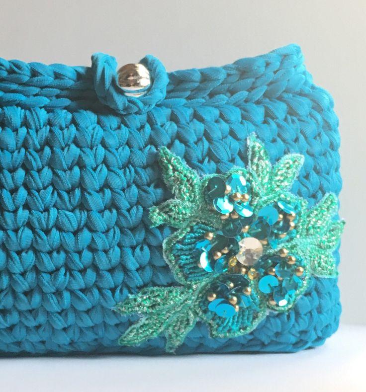 Un preferito personale dal mio negozio Etsy https://www.etsy.com/it/listing/516222314/elegant-handbag-crocheted-clutch