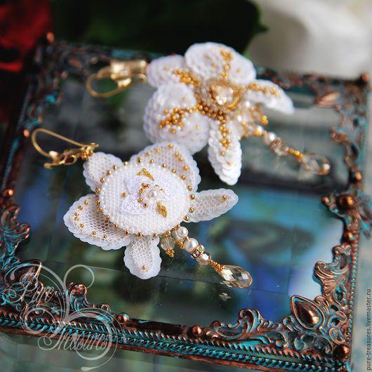 Серьги ручной работы. Серьги Endless Blooming, золотые звезды. Pure Treasures. Ярмарка Мастеров. Вышитые цветы, единственный экземпляр