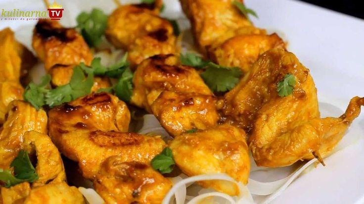 Jak przygotować Kurczaka Satay - Tajski przepis Video na przepysznego kurczaka w orzechowej marynacie z odrobiną pasty curry i innych aromatycznych składników, nie zapomnij skomentować !