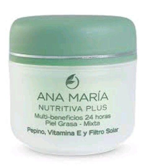 Crema nutritiva para pieles grasa-mixta especial para preparar tu piel antes de la bese y lo mejor con filtro solar