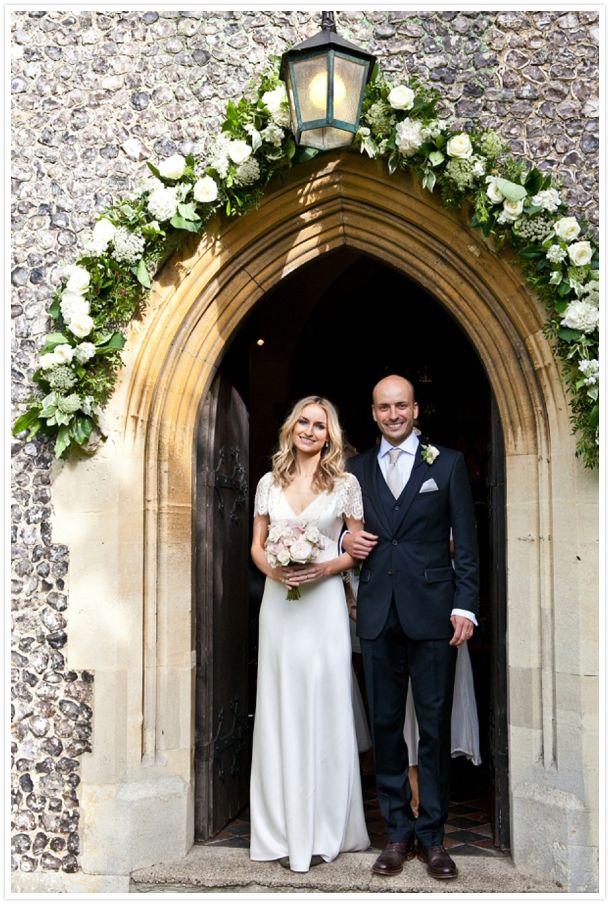 REAL WEDDING | ENGLISH BARN WEDDING FROM ANNELI MARINOVICH http://reveriemag.com