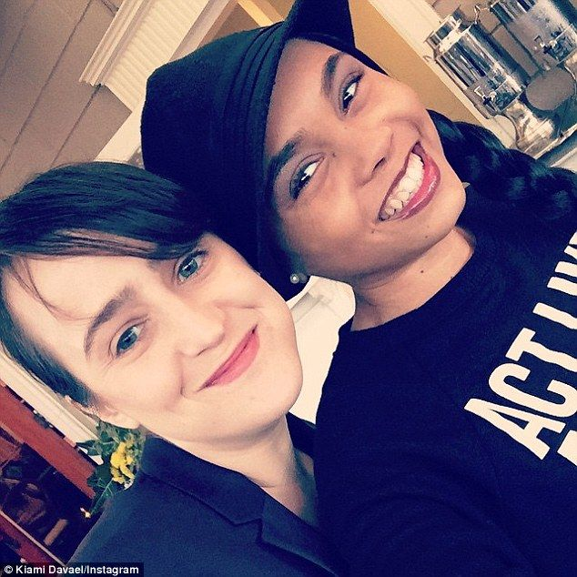 Mara Wilson and Kiami Davael snap Matilda reunion selfie