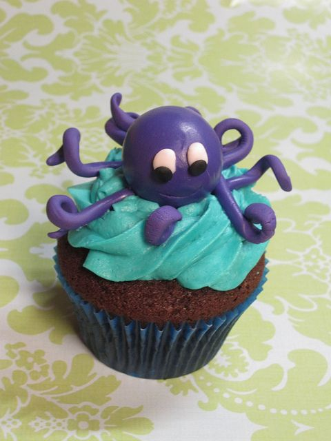 Cute octopus cupcake for a beach or nautical party