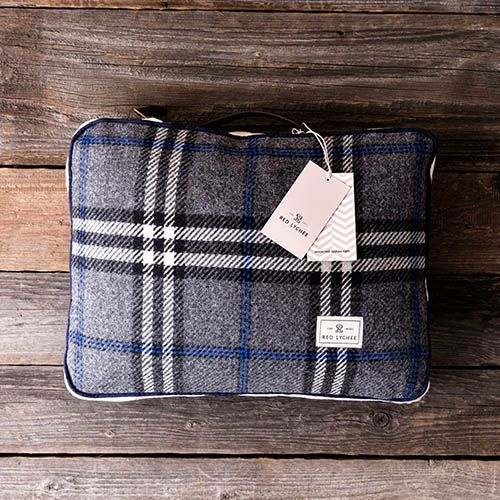 Set out for a cozy picnic or any outdoor activities with our Ambassador Travel Set. It contains a warm blanket and pillow, which come in a coordinating zippered bags.
