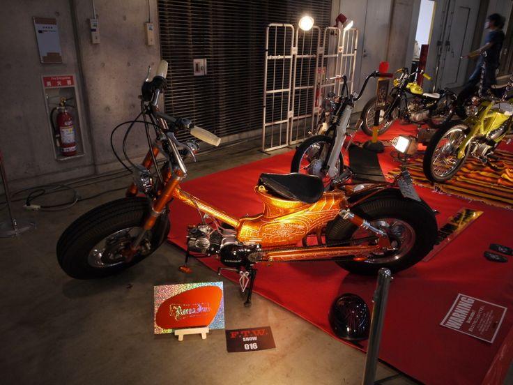 お。     輪島塗   石川県やなぁ。       コレはどう見ても本身。。。                       バイクの塗装に輪島塗みたいやなぁ。          祖先以来の日本刀が      斬つて捨てよと叫ぶのだ!   せまる鬼畜の米英を   ...
