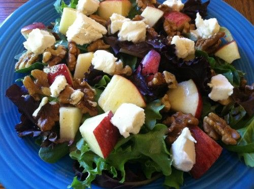 Amazing Salad!!  Spring Mix with Apples, Walnuts, Goat Cheese and Heinz Apple Cider Vinegar Dressing - Sincerely, Mindy #HeinzVinegar #Sponsored @Julie 'Lemin' Heinz Vinegar - Sincerely, Mindy