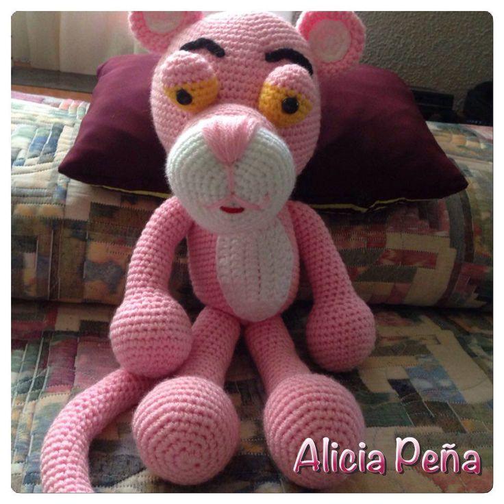 """Alicia y su Pantera  ♥ Todos son trabajos de amigas tejedoras de Chibigumis!!!!!!! basados en el patrón """" La Pantera Rosa"""" by Chibigumis♥ (Patrón disponible con solo dejar un mensaje privado solicitándolo!♥)"""