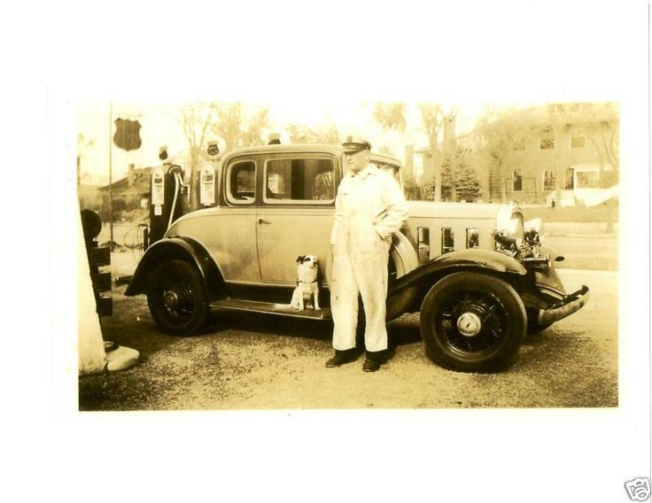 Old Photo Phillips 66 Gas Station 1932 Chevy Coupe Wayne 60 Pumps Globes