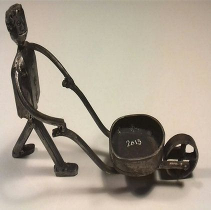 Man with a wheelbarrow signed by P.Giacometti  ​http://qoo.ly/hk69j  #craftymetal #craftymetalstore #transitionmetal #transitionmetalcreation #8BH #art #artshop #picture #artist #metal #handmade #original #craftmen #practical #creative #artoftheday #beautiful #gallery