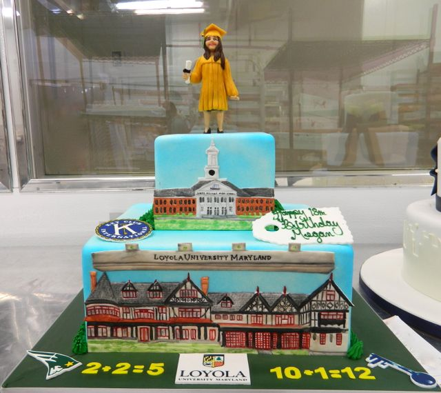 Cake Decorating School In Trinidad : 17 Best images about Graduation Cakes on Pinterest Party ...