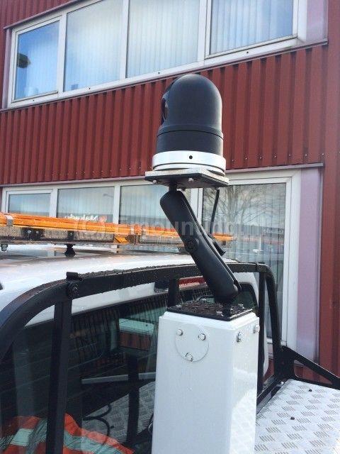 Emounting klanten - Surveillance camera boven op het D.R.I.P infopaneelTraffic&More - Emounting.nl