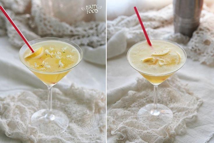 Продолжаю вас потихоньку спаивать и предлагаю очередной вкусный коктейль)): на 1 порцию 60 мл лимонного сока 60 мл апельсинового сока 30 мл рома (baite white) 30 мл травяного…