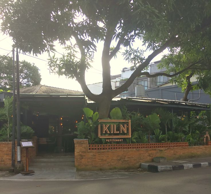 KILN (new May 2017 to the former Petitenget Bistrot space) just north of Pura Petitenget has great small lunch bites in a nice outdoor setting.