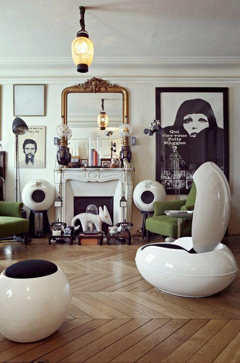 Garden egg chair in interior 60 / Marc Heldens #MidCenturyModern