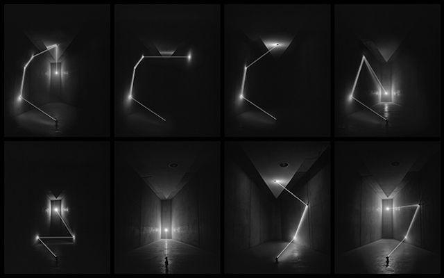 Geometric Visuals Installation  A travers un arrangement soigné de miroirs, lumières et d'espaces négatifs, l'artiste James Nizam réalise de magnifiques installations éphémères qu'il capture avec de la photographie analogique. James modifie totalement la façon dont son spectateur considère les espaces architecturaux et tire des liens entre photographie, design et sculpture.
