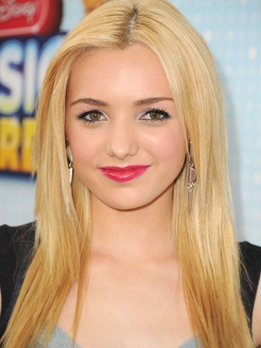 Peyton List's pink lipstick is too cute!go girl your lipstic so cute !!!!!!!!!!!!!!!!!!!!!!!!!!!!!!